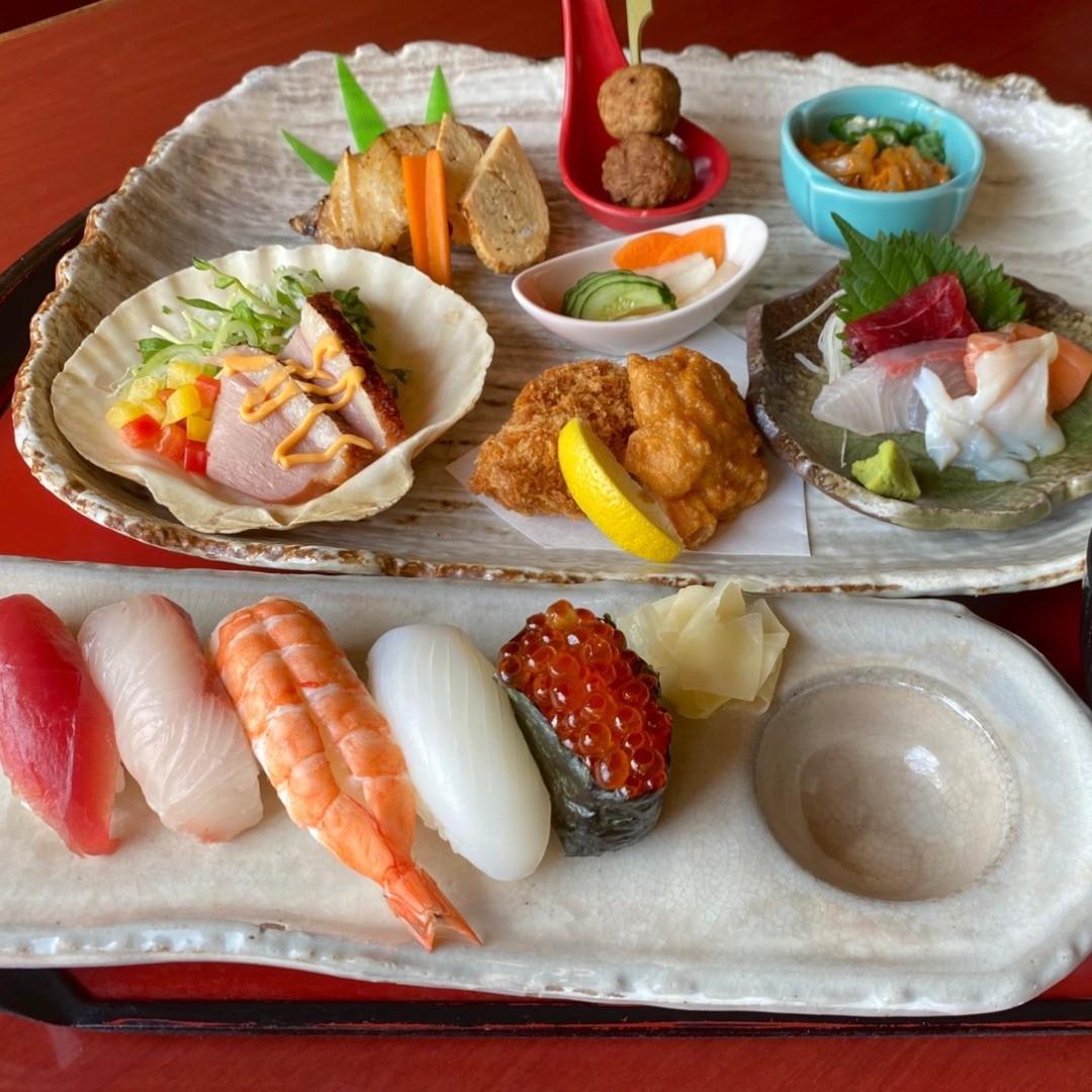 おすすめを夜メニューから(^^) 女性に人気の小懐石膳です。  あれも! これも! 食べたいお客様にオススメです!