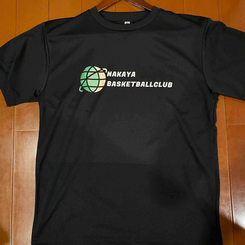 スタッフ一同NAKAYAバスケットボールクラブを応援しています 1、2枚目はバスケットクラブのTシャツです  3枚目はスタッフの夏用のnewユニフォームTシャツです
