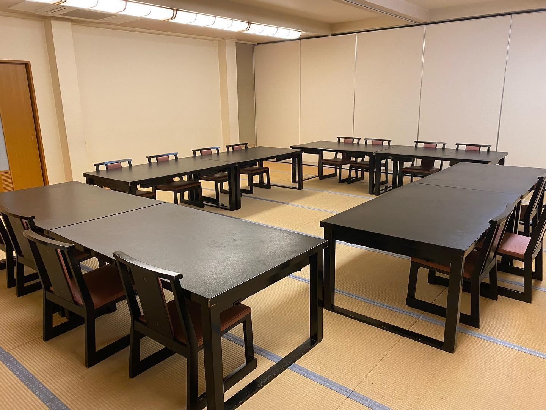 本日はランチミーティングが3件ありました。 当店では、広い部屋を使って会議しながら食事が安心してできます。 ぜひご利用下さい。